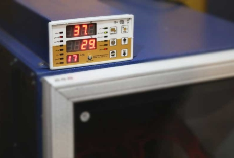 سیستم کنترل دستگاه جوجه کشی